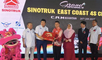 SINOTRUK T7H Helps Malaysian Distributors Enter the East Coast Market